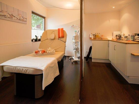 Eslohe, Allemagne : Massage und Beautybereich