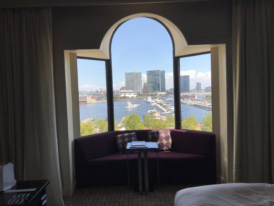Royal Sonesta Harbor Court Baltimore : Amazing location and beautiful hotel!