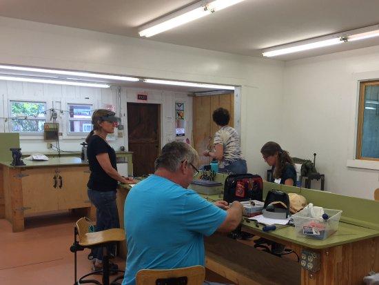 Brasstown, Kuzey Carolina: Metal smithing class