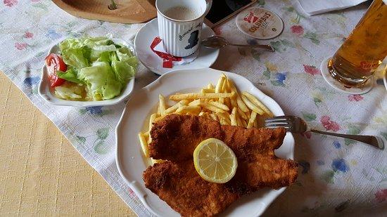 Altmunster, Áustria: Wiener schnitzel - dish from the restaurant menu (public)