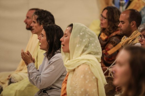 Sivananda Ashram Yoga Retreat: Satsang