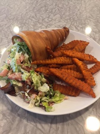 Westerville, OH: BLT Conewich with Sweet Potato Fries