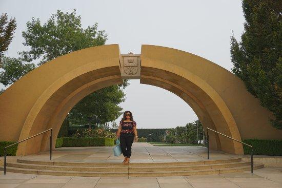 West Kelowna, Canada: That beautiful entrance