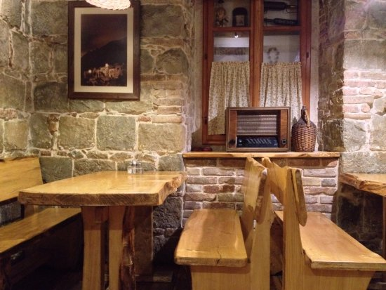 KONOBA STARE GREDE: Fab furniture