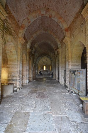 Martailly-les-Brancion, France: hall d'entrée de la chapelle