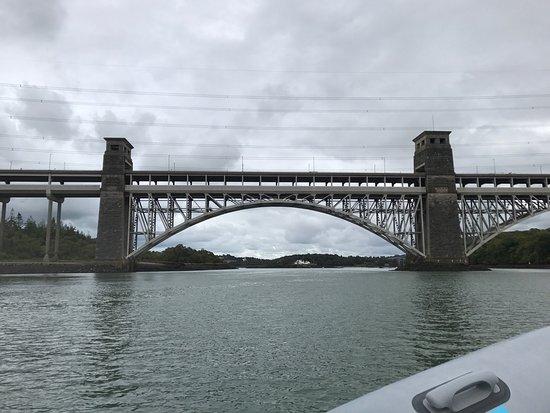 Menai Bridge, UK: photo3.jpg