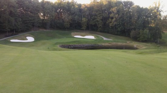 Burkesville, KY: #10 green