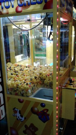 Long Beach, WA: Play our Duck Claw! It plays until you win! Open 10-10 or later every day. #FunlandLB