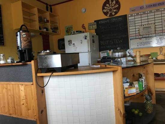 Fort Smith, Καναδάς: Coffee counter at Anna's Home Cooking