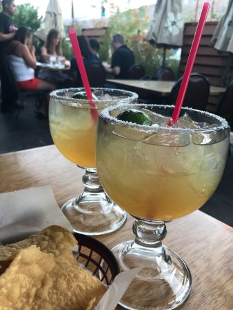 El Mirasol: Cadillac Magaritas (all we could taste was lime though)