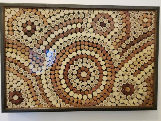 Forest Grove, Орегон: Apolloni Cork Art