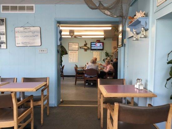 Beaverton, แคนาดา: interior of restaurant