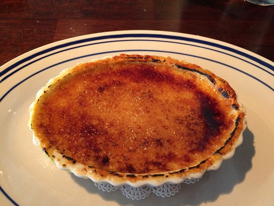 Lansdale, Pensilvania: Coffee creme brûlée and lemon bars, all homemade and fantastic
