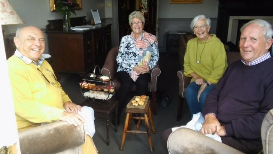 The Ryebeck: Inadequate tables for Afternoon tea for 4 people