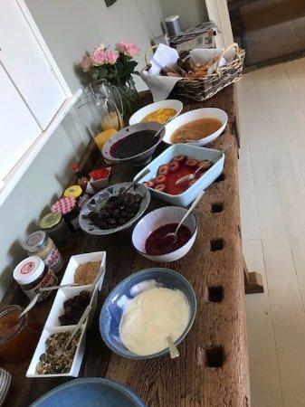 St Minver, UK: Breakfast Spread