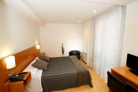 Bilbao jardines hotel espagne voir les tarifs 34 avis - Hotel bilbao jardines ...
