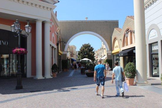 Castel Romano Designer Outlet: Visão geral 7