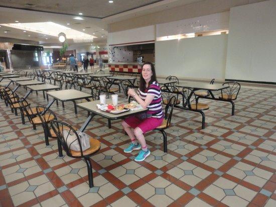 Massena, Nowy Jork: Empty Food Court
