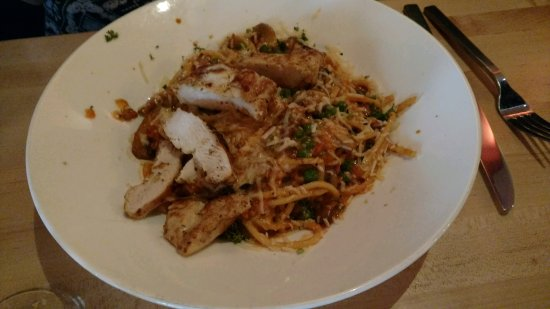 Wexford, Pensylwania: Pasta with chicken at Walnut Grill