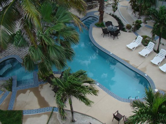 The Landings at Tres Cocos: Bermuda Beach pool from A6 rooftop patio.
