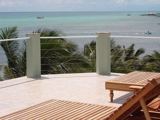 The Landings at Tres Cocos: Rooftop patio of Bermuda Beach A3.
