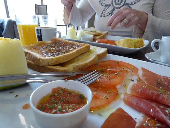 Levies Cafe-Bar: Toast and jamon