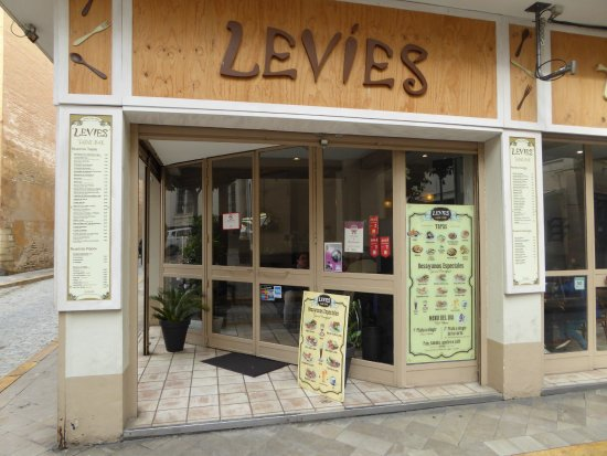 Levies Cafe-Bar: store front