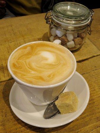 Great Latte at Rootz Coffee in Chorleywood (16/Sept/17).
