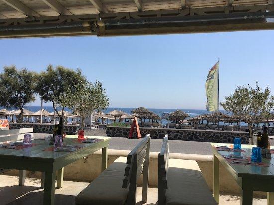 Kouzina : Beach view from open patio
