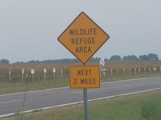 Odessa, MN: Refuge traffic sign.