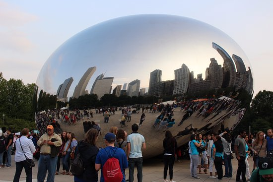 Parque Millennium: Sunset and skyline on the bean.