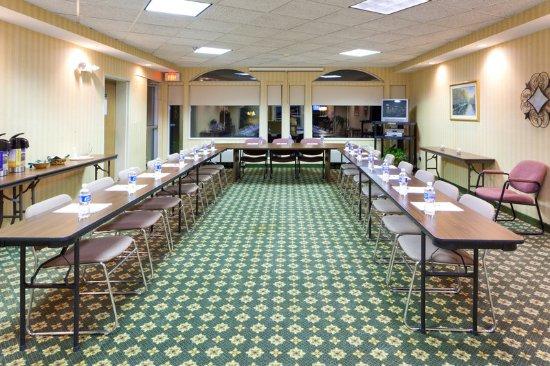 North Huntingdon, Pensilvania: Meeting Room