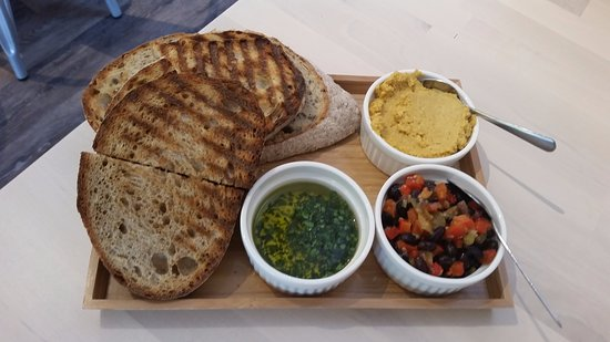 Vineland, Canada: Breads & Dips