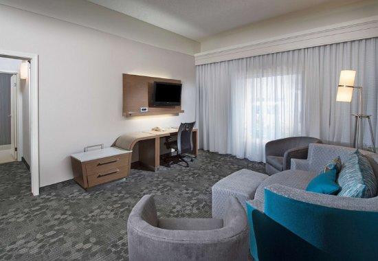 Dothan, AL: King Suite - Living Area