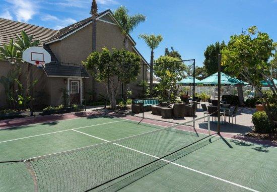 Residence Inn San Diego Central: Sport Court