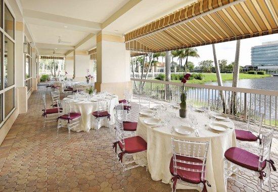 Renaissance Fort Lauderdale-Plantation Hotel: Terrace - Lake View