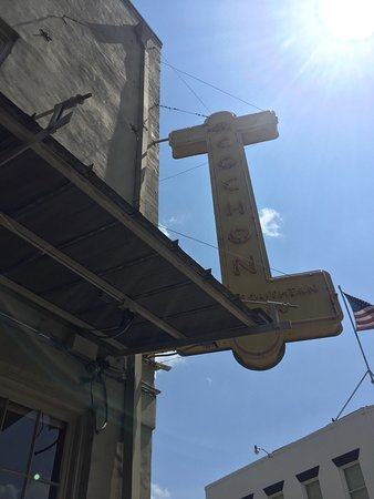 Photo of American Restaurant Cochon at 930 Tchoupitoulas St., New Orleans, LA 70130, United States