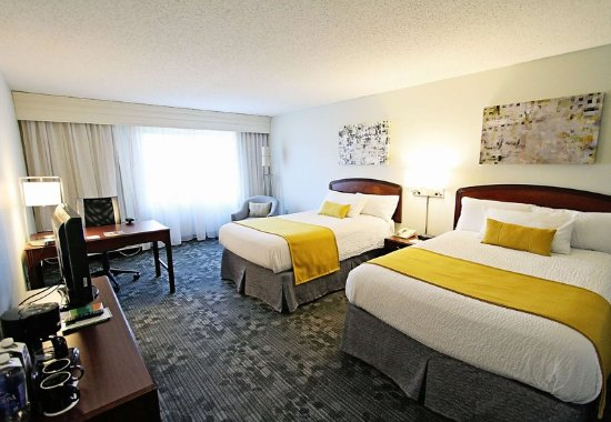Erlanger, KY: Double/Double Guest Room