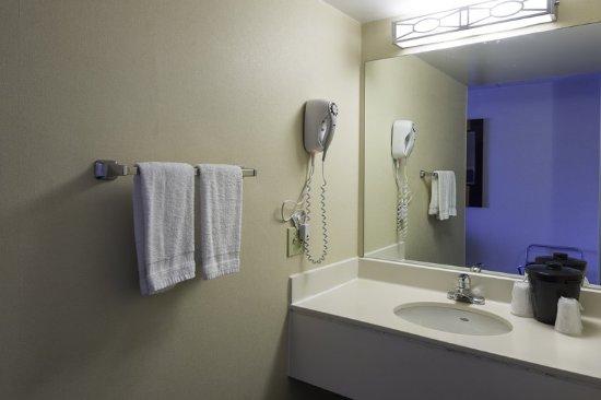 Absecon, NJ: Bathroom