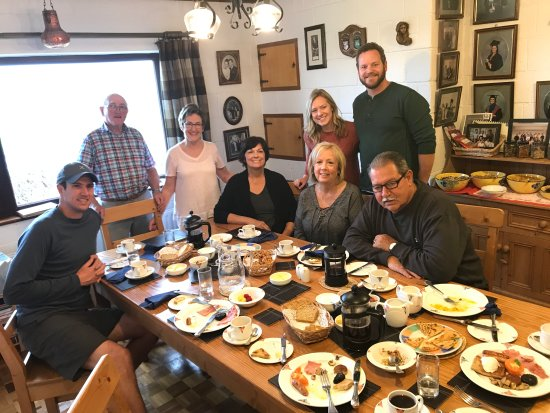 Drom Caoin: Breakfast with the Murphys