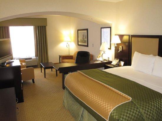 Dublin, GA: Guest Room