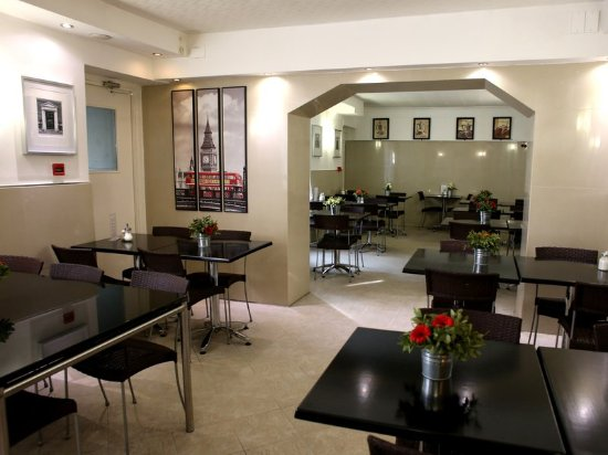 Huttons Hotel: Breakfast Room