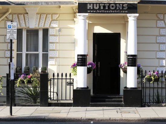 Huttons Hotel: Exterior