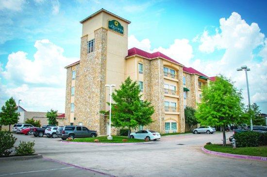 Mansfield, TX: ExteriorView