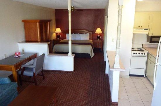 สเตทสโบโร, จอร์เจีย: King Suite
