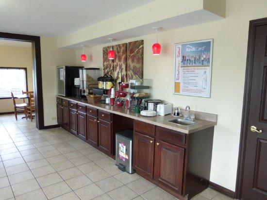 Abingdon, VA: Breakfast Area