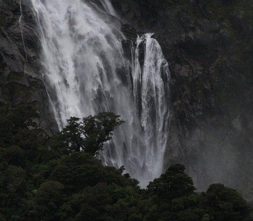 Milford Sound: Bowen Falls