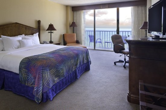 Doubletree Beach Resort by Hilton Tampa Bay / North Redington Beach: King Room Top Floor Gulf View