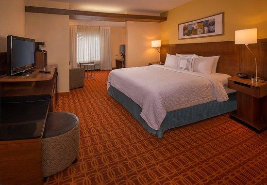 Chambersburg, PA: King Suite - Sleeping Area