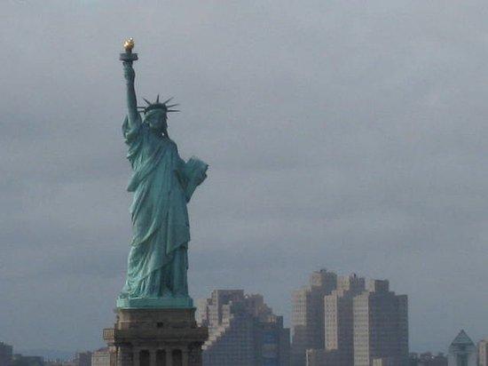 Hasbrouck Heights, NJ: Statue of Liberty